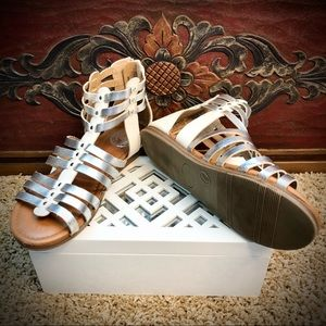 Authentic American Heritage Silver & White Sandals